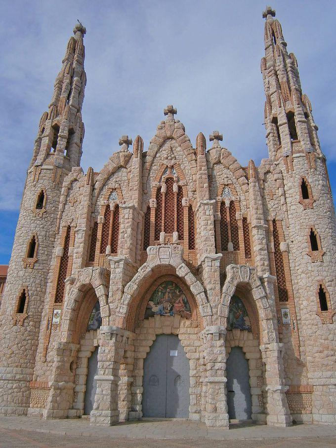 なんと繊維技術士が建てた教会!