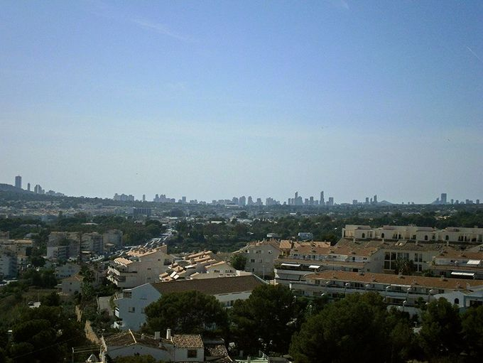 高層ビルの町もハッキリ見える!