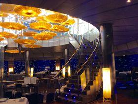 泳ぐ魚を見ながら食事を満喫!バレンシアの水族館オセアノグラフィコ内「スブマリノ」