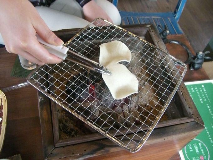 手火鉢deおせんべい焼き体験!