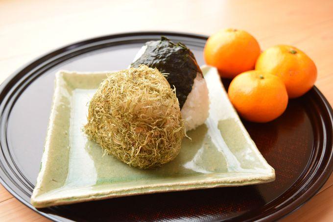 筑波山登山にオススメの食べ歩きグルメ!「朝らー」って?おにぎりで「縁むすび」??