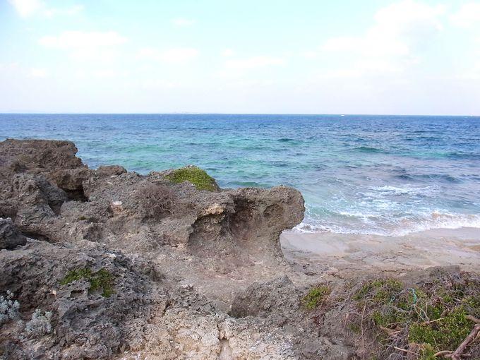 琉球の始祖アマミキヨがやってきたという、カベール岬