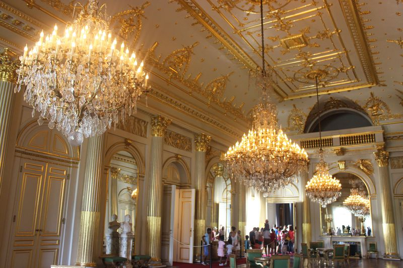 質実剛健のベルギー文化を象徴する「ブリュッセル王宮」