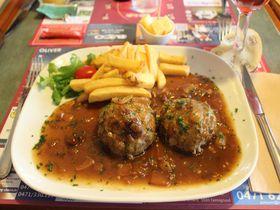 レストラン・カフェ・レフで、ベルギーの伝統家庭料理を!