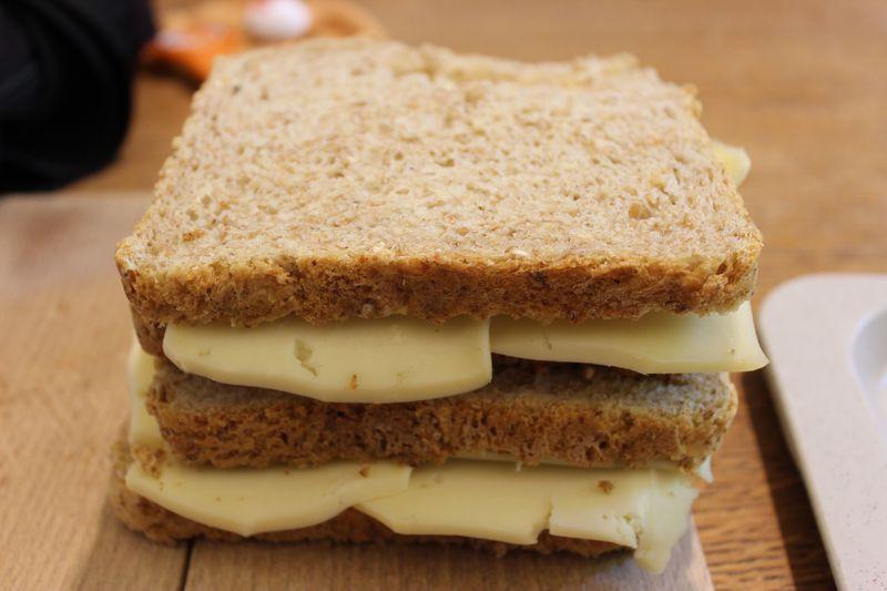マレッツ修道院のパンとチーズを、特製タルティーヌでどうぞ!