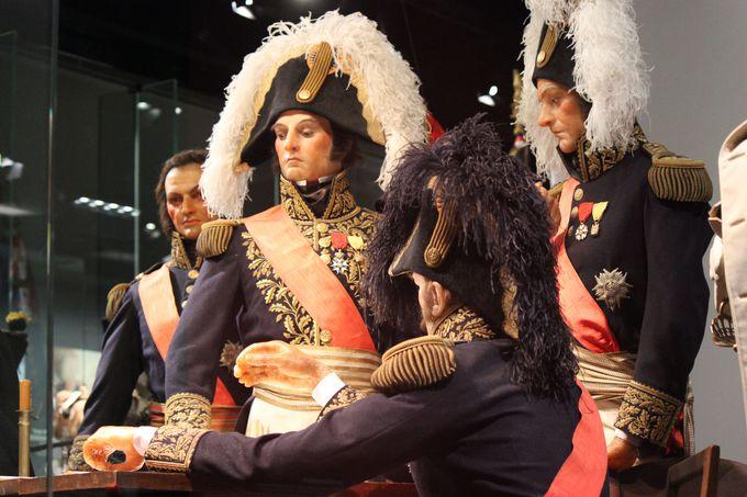 ナポレオン・ボナパルトと「ラ・グランド・アルメ」の迫力行軍!