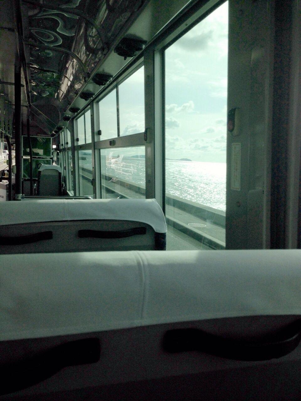 電車とバスに揺られて、目指すは海。
