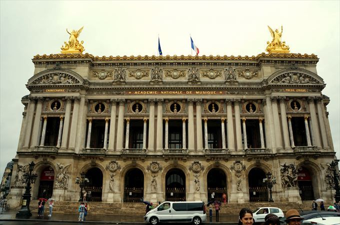 豪華すぎる!パリオペラ座の中を探検してみよう!輝くシャガールの名画も