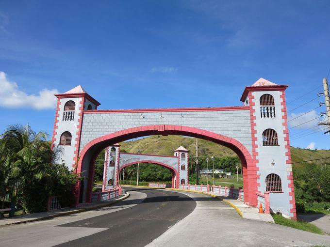 南西部の村、ウマタックはスペイン統治時代の名残りの史跡が