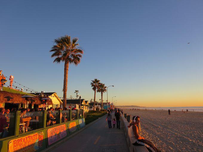 夕暮れに染まるオレンジ色の空もまた南カリフォルニア!