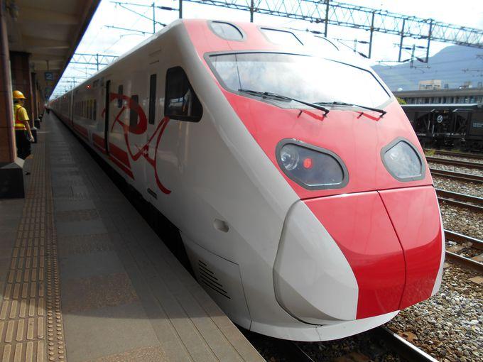 台北−花連(ファレン)間は人気の日本製特急列車で