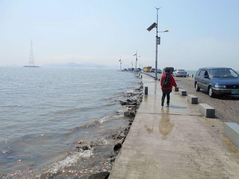 モーゼもびっくり!韓国・済扶島(チェブド)の海も割れた!