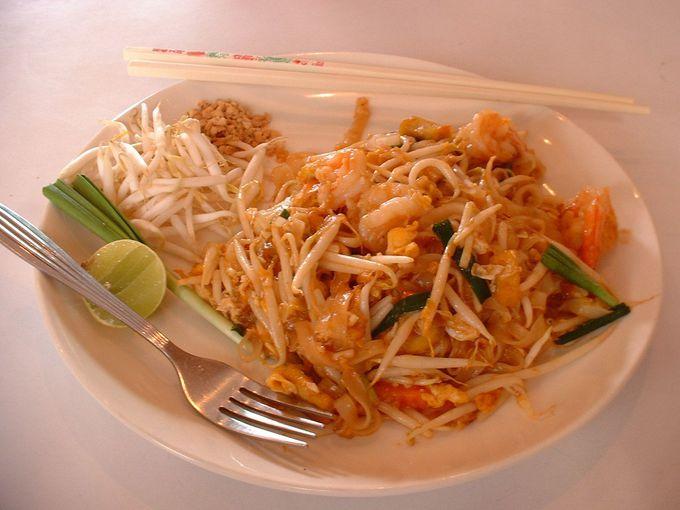 タイを代表する麺料理、その名も「パッ・タイ」