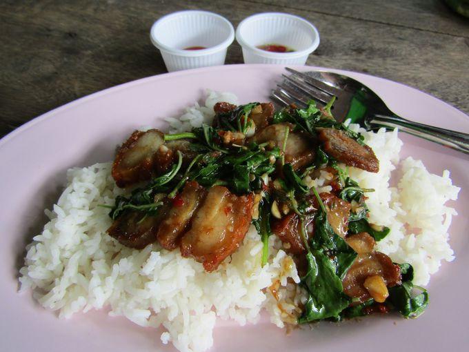 タイ通は屋台メニューの定番「パッ・ガパオ・ガイ」にハマる