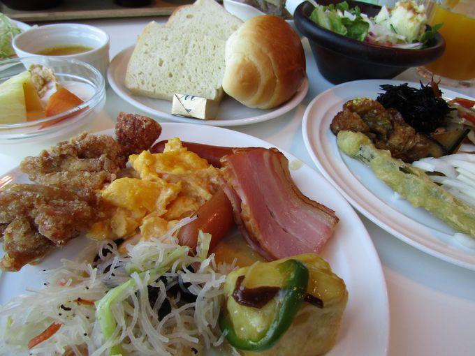 大人気!地元の食材が味わえる朝食ビュッフェ