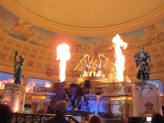 古代ローマの不思議な空間でスモークが!炎が!<フォーラムショップ>
