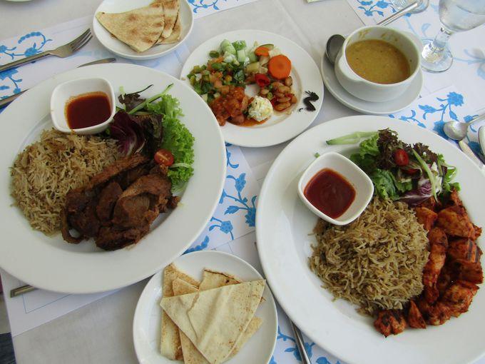 中東の香りがするメインディッシュ、どれも大人の味でおいしい!