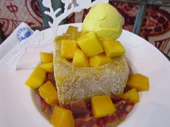 超ド級!かき氷と呼ばないで!マンゴー果肉の凍ったブロックがどっど〜ん(台中)
