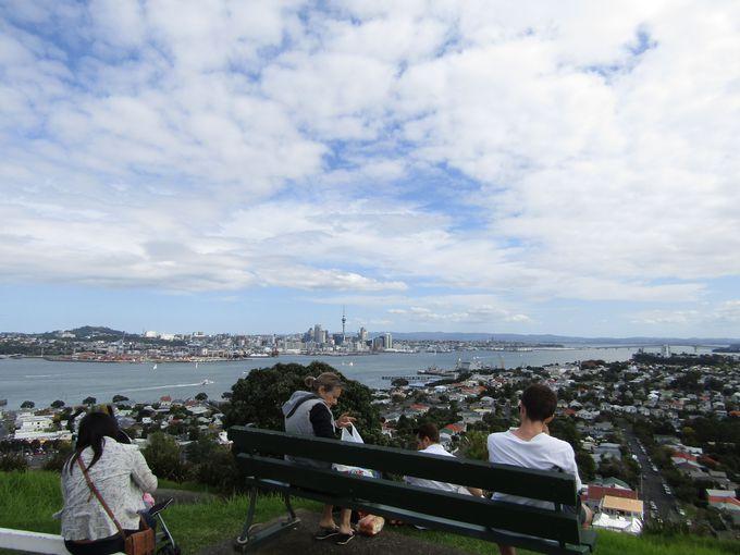 見晴らし抜群!桟橋からも歩いて行けるビクトリア山