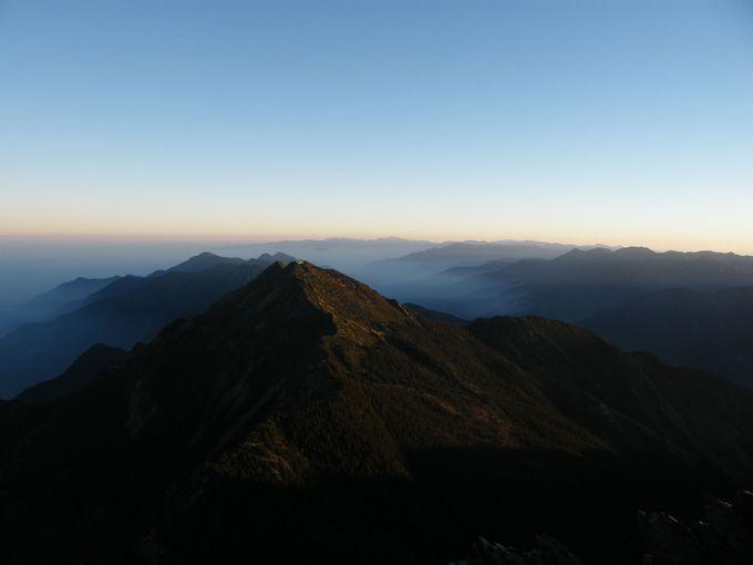 3,000m峰の連なる風景へ