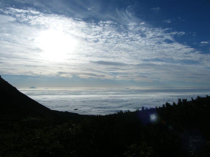 世界自然遺産・知床の「羅臼岳」で大自然キャンプ!