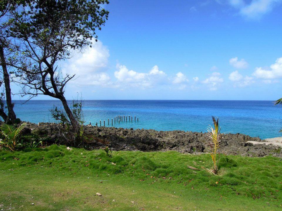 島内の移動はゴルフカートやバギーで