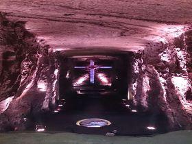 南米コロンビアの神秘世界!シパキラの「塩の教会」は、壮大なスケールに圧倒