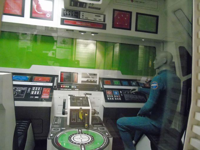 中世の世界から宇宙船に乗って一気に舞台は宇宙へ