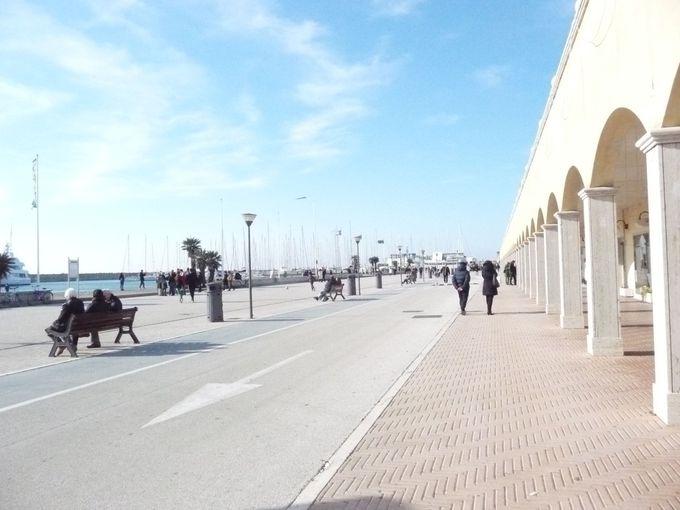 新しい散歩コース、オスティアの観光港