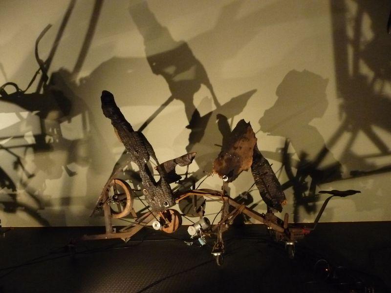 大人も遊べる動くアート!スイス・バーゼル「ティンゲリー美術館」