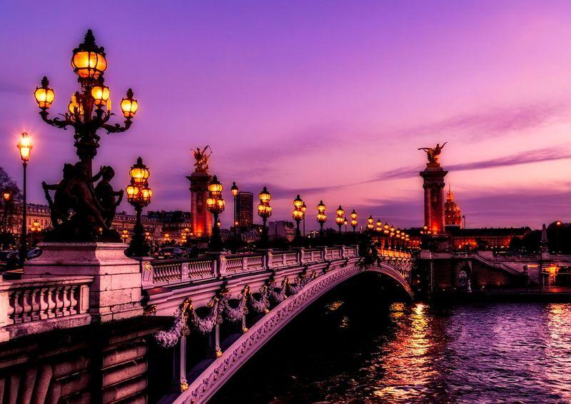 パリ・セーヌ川クルーズ完全ガイド!必見は最も美しい橋と塔「アレクサンドル3世橋」&「エッフェル塔」