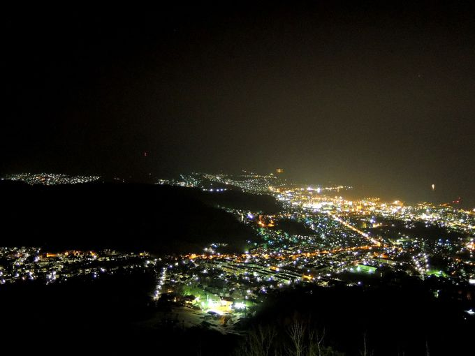 北海道三大夜景の天狗山で柔らかな光に包まれる小樽を感じて♪