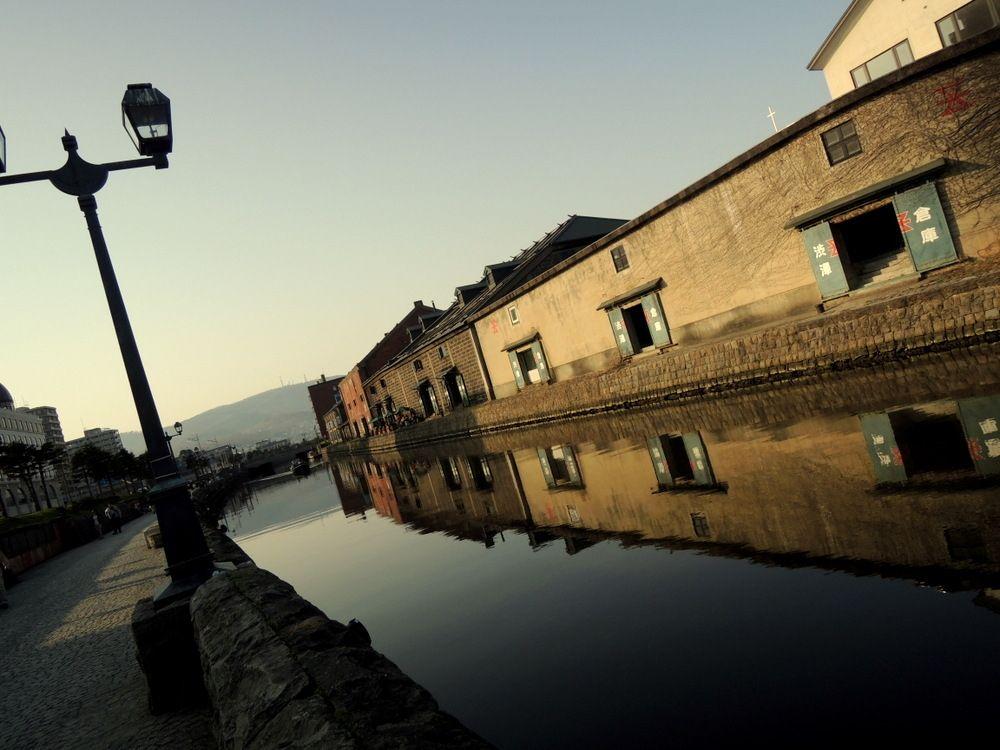 絵になる風景 小樽運河沿いの散策路でフォトタイム♪