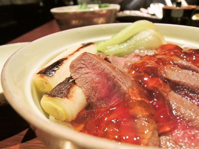 北海道物産展で大人気!「豊平館厨房」の絶品和牛ステーキ丼を本場・札幌でいただく!