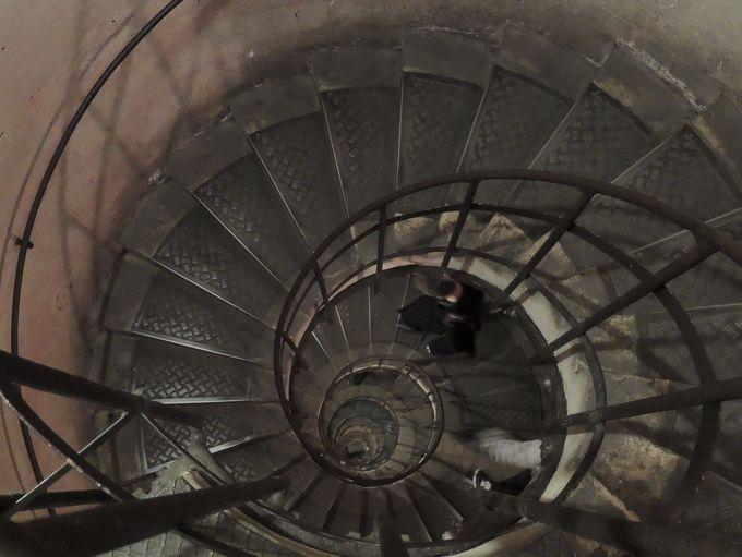 272段の螺旋階段。目が回るのが先か?息が切れるのが先か?
