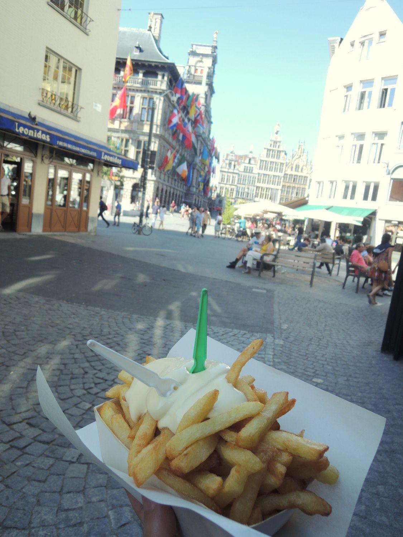 食べ歩き天国!フライドポテトはベルギーが発祥の地!