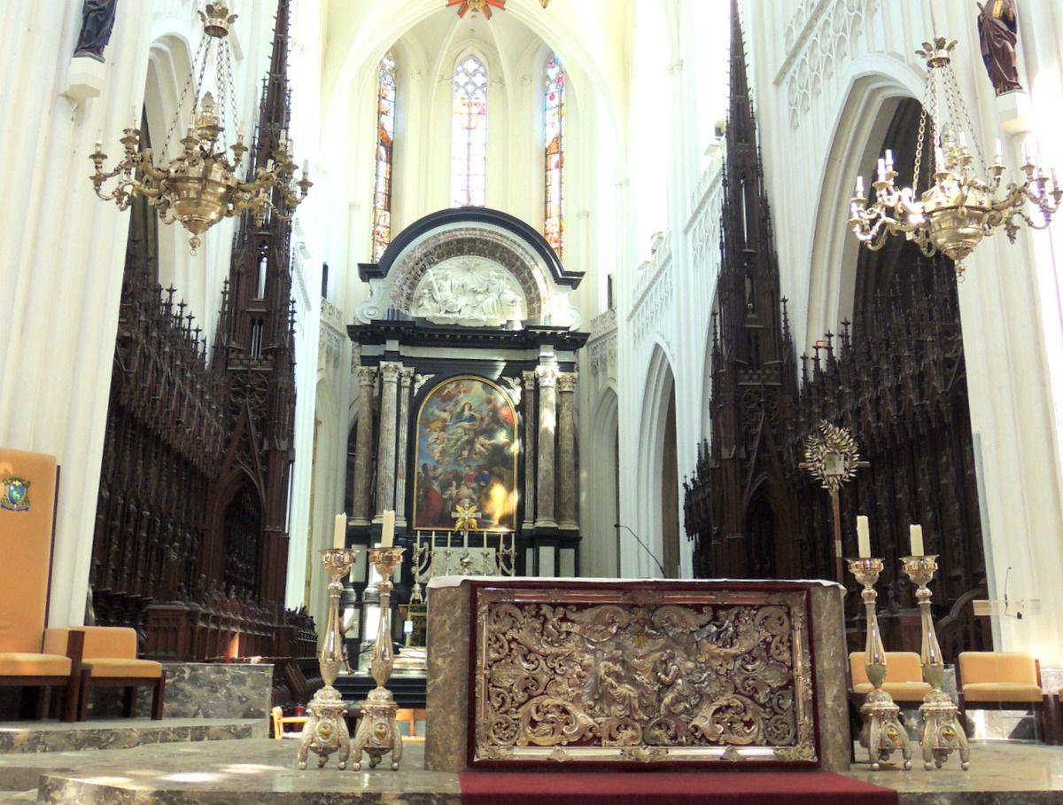 アントワープ大聖堂の中には物語の世界観も!