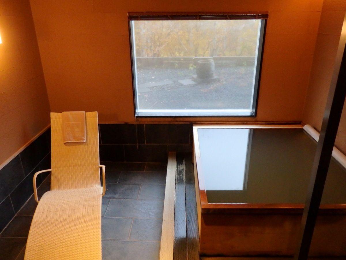 大浴場や貸切風呂、翠山亭本館への湯巡りもオススメ