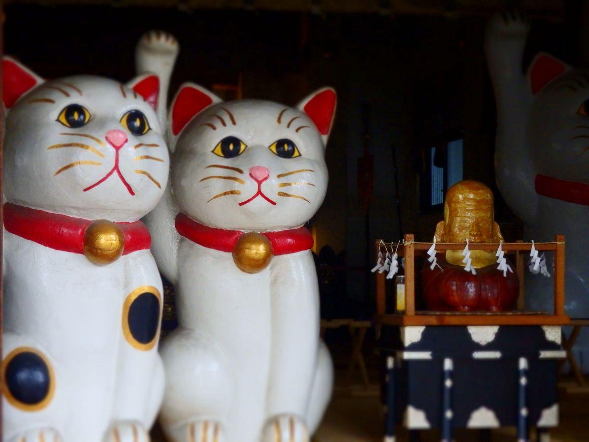 恋も金運も招き猫にゃん♪縁結びのパワスポ・浅草「今戸神社」で良縁祈願!
