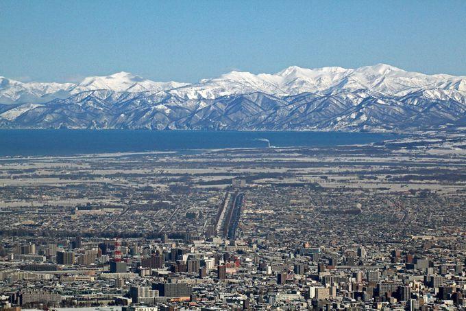 日本新三大夜景!北海道の大自然と街が一望できる「藻岩山」
