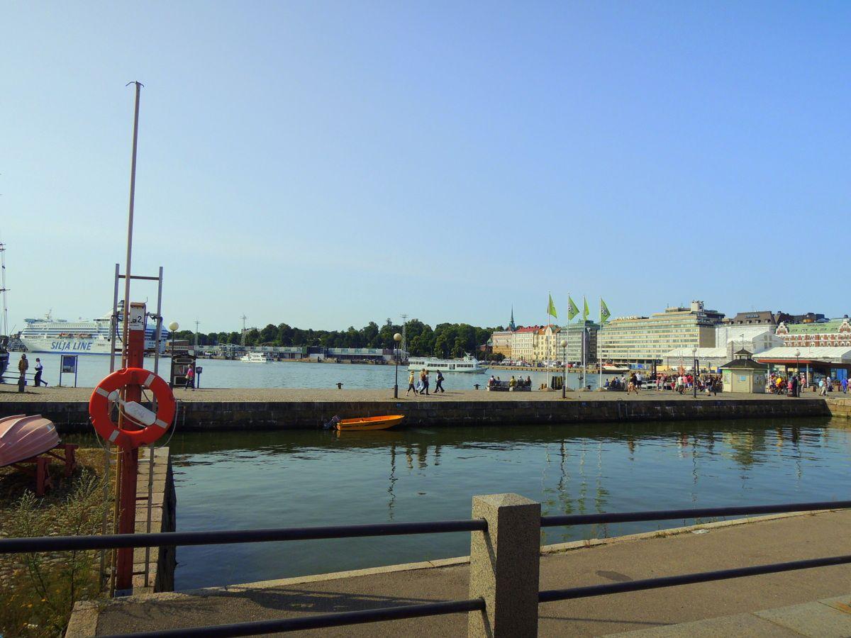『かもめ食堂』の冒頭シーンはここから始まった!「エテラ港」から隣国へクルーズに出るのもオススメ