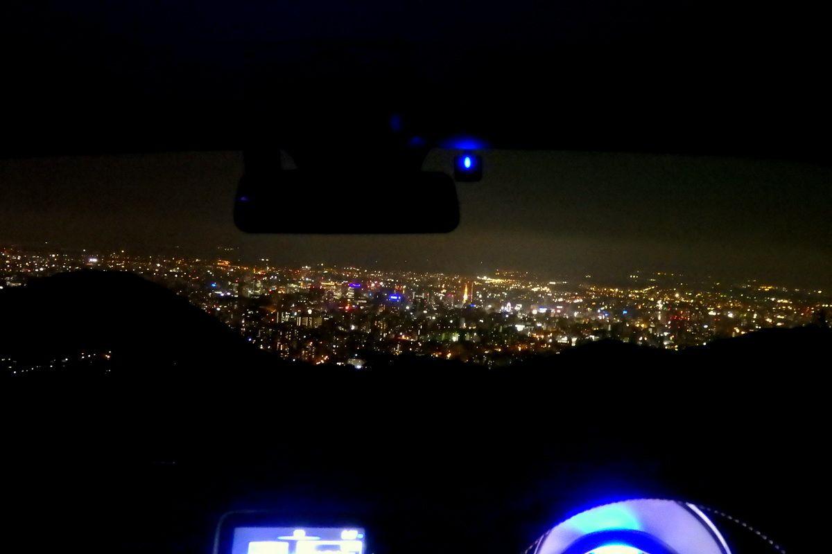 絶対外さない札幌ドライブデート「幌見峠」は絶景が車の中で楽しめる