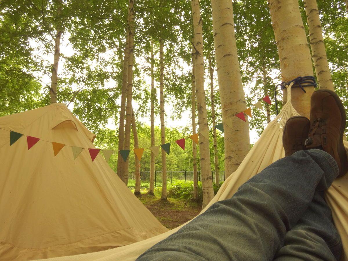 ハンモックでブラブラと…テントの中でひと眠り、自分たちだけの自由な空間