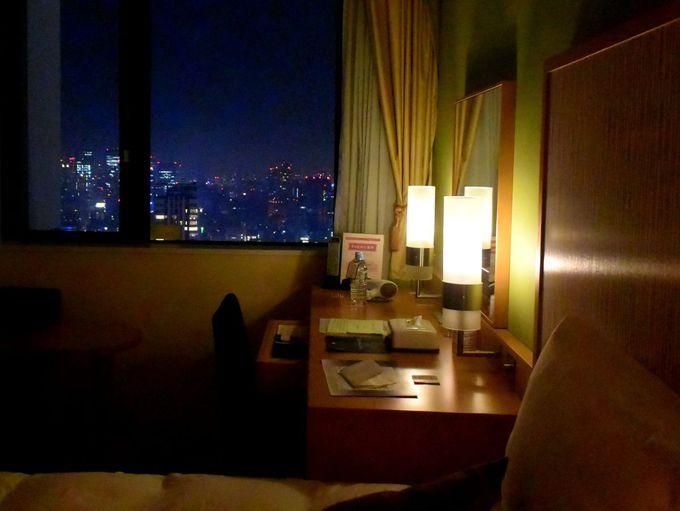 大阪ミナミの繁華街を見下ろす高層ホテル