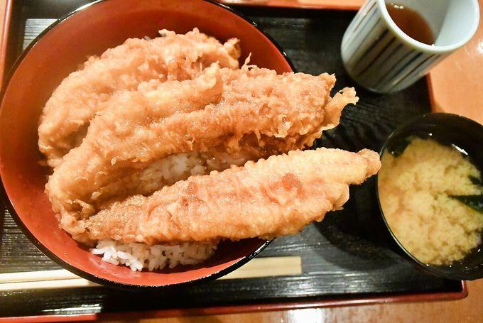 """丼からはみ出てますよ!祇園でお腹いっぱい「天周」の""""穴子天丼"""""""