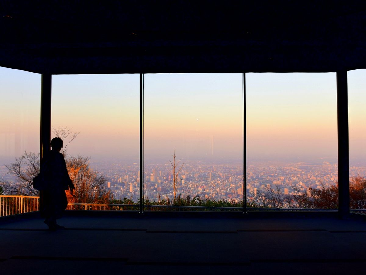 夕暮れ時の札幌の街並みと新日本三大夜景都市の魅力も味わいたい
