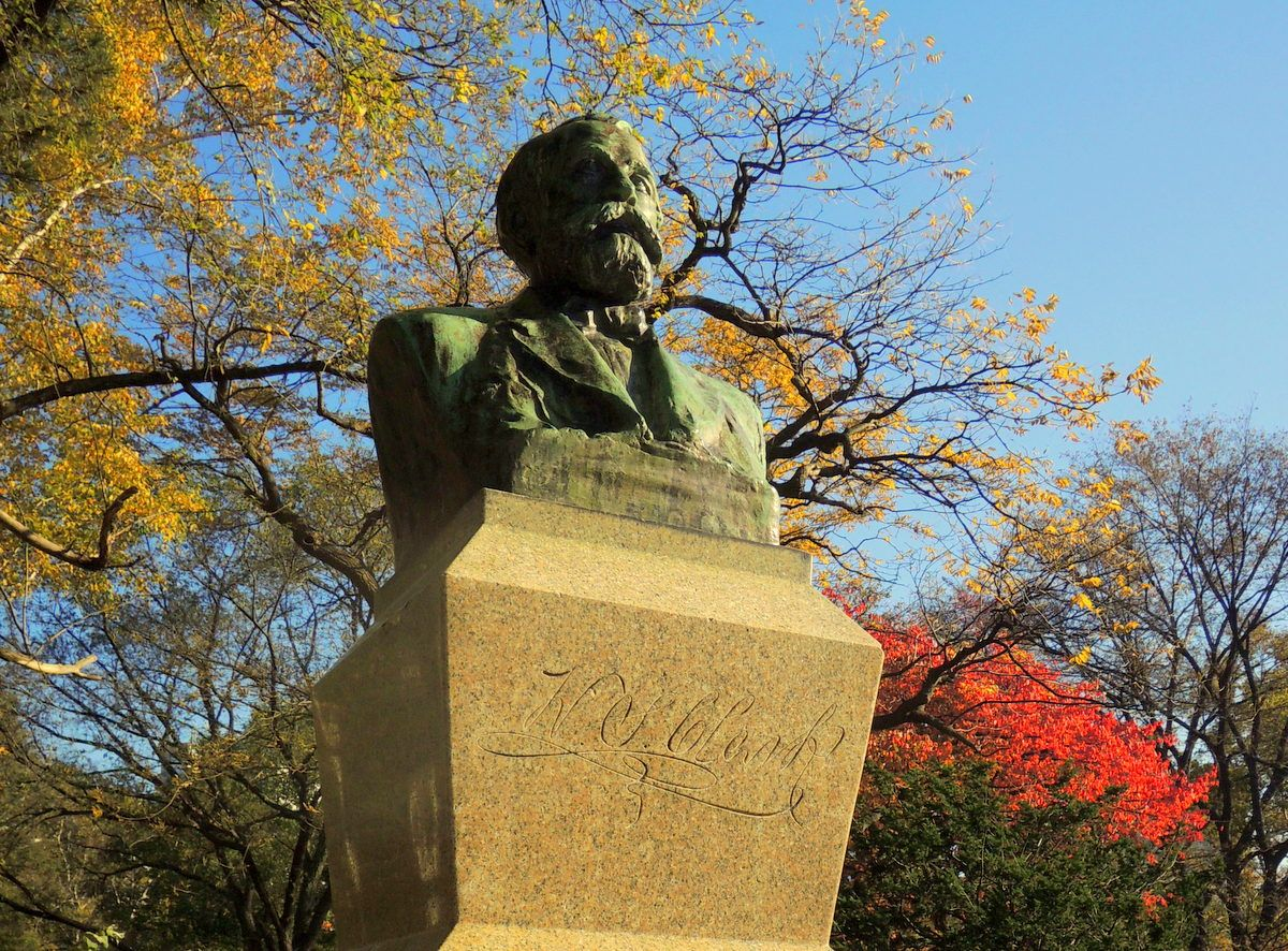 """""""クラーク像""""が何体も!実は聖地?「北海道大学」を巡って大志を抱け!"""