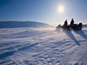 星野リゾート トマム「スノーモービル」新ツアーが超豪華。雪上ツーリングに詰まった男のロマンとは?|北海道|トラベルjp<たびねす>