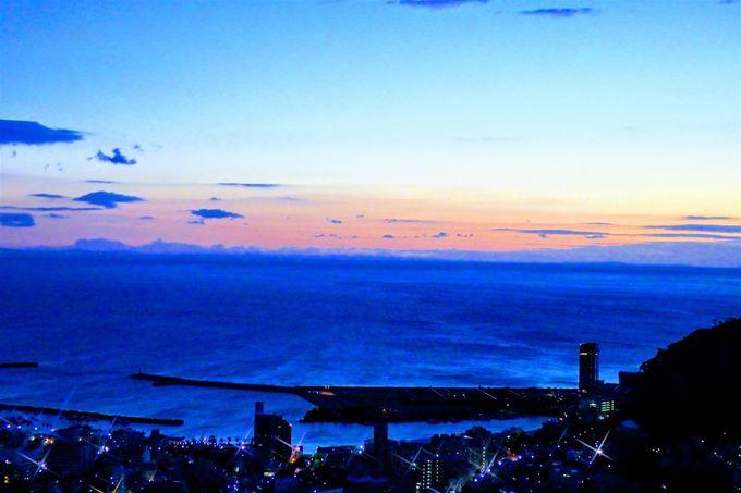 天空からの景色も楽しみたい!夜は大人だけの専用カフェへ