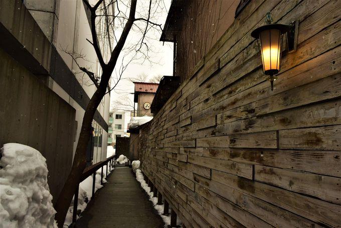 居心地のよい築70年の古民家は裏参道にひっそりと。